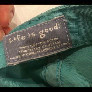 Life Is Good Accessories - Life Is Good ball cap EUC mint w/ purple flower